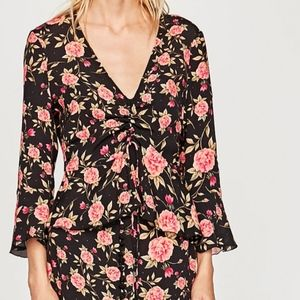 🆕 Zara rose floral ruched tie ruffle blouse